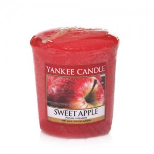 Lumanare Parfumata Votive Sweet Apple, Yankee Candle
