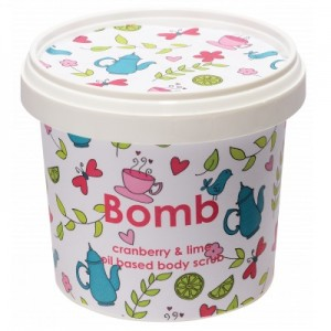 Exfoliant Vegan pentru corp Cranberry & Lime Bomb Cosmetics, 365ml