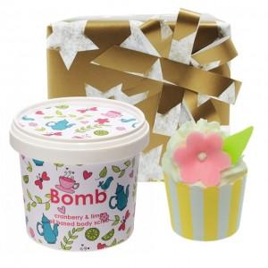 """Set cadou """" Coconut & Cranberry"""", Bomb Cosmetics"""