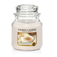 Lumanare Parfumata Borcan Mediu Spiced White Cocoa, Yankee Candle