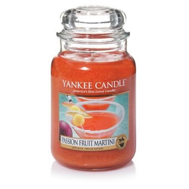 Lumanare Parfumata Borcan Mare Passion Fruit Martini, Yankee Candle