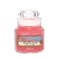 Lumanare Parfumata Borcan Mic Garden by the Sea, Yankee Candle