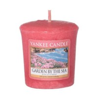 Lumanare Parfumata Votive Garden by the Sea, Yankee Candle