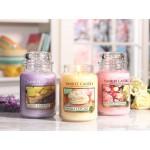 Lumanare Parfumata Borcan Mare Fresh Cut Roses, Yankee Candle