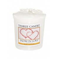 Lumanare Parfumata Votive Snow in Love, Yankee Candle