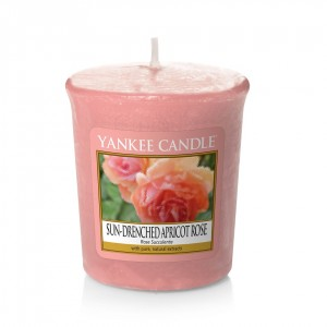 Lumanare Parfumata Votive Sun Drenched Apricot Rose - SPRING 2018, Yankee Candle