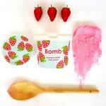 Exfoliant Vegan pentru corp Strawberry Fields, Bomb Cosmetics, 365ml