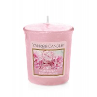 Lumanare Parfumata Votive Blush Bouquet, Yankee Candle