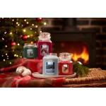 Lumanare Parfumata Borcan Mediu Candlelit Cabin, Yankee Candle