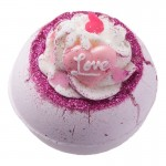 Bila efervescenta de baie Fell in Love With a Swirl, Bomb Cosmetics 160g