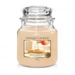 Lumanare Parfumata Borcan Mediu Freshly Tapped Maple, Yankee Candle