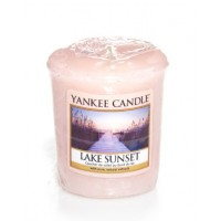 Lumanare Parfumata Votive Lake Sunset, Yankee Candle